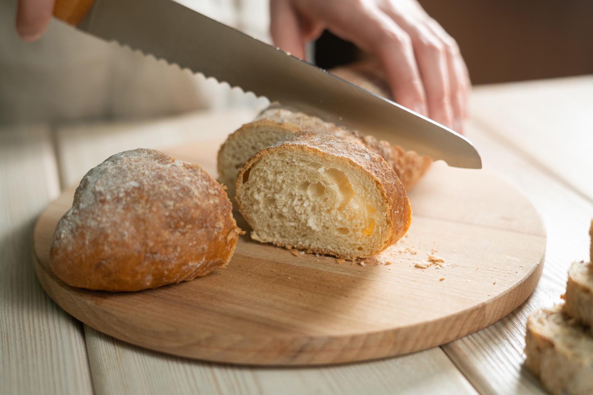 nóż do chleba bułek i bagietek