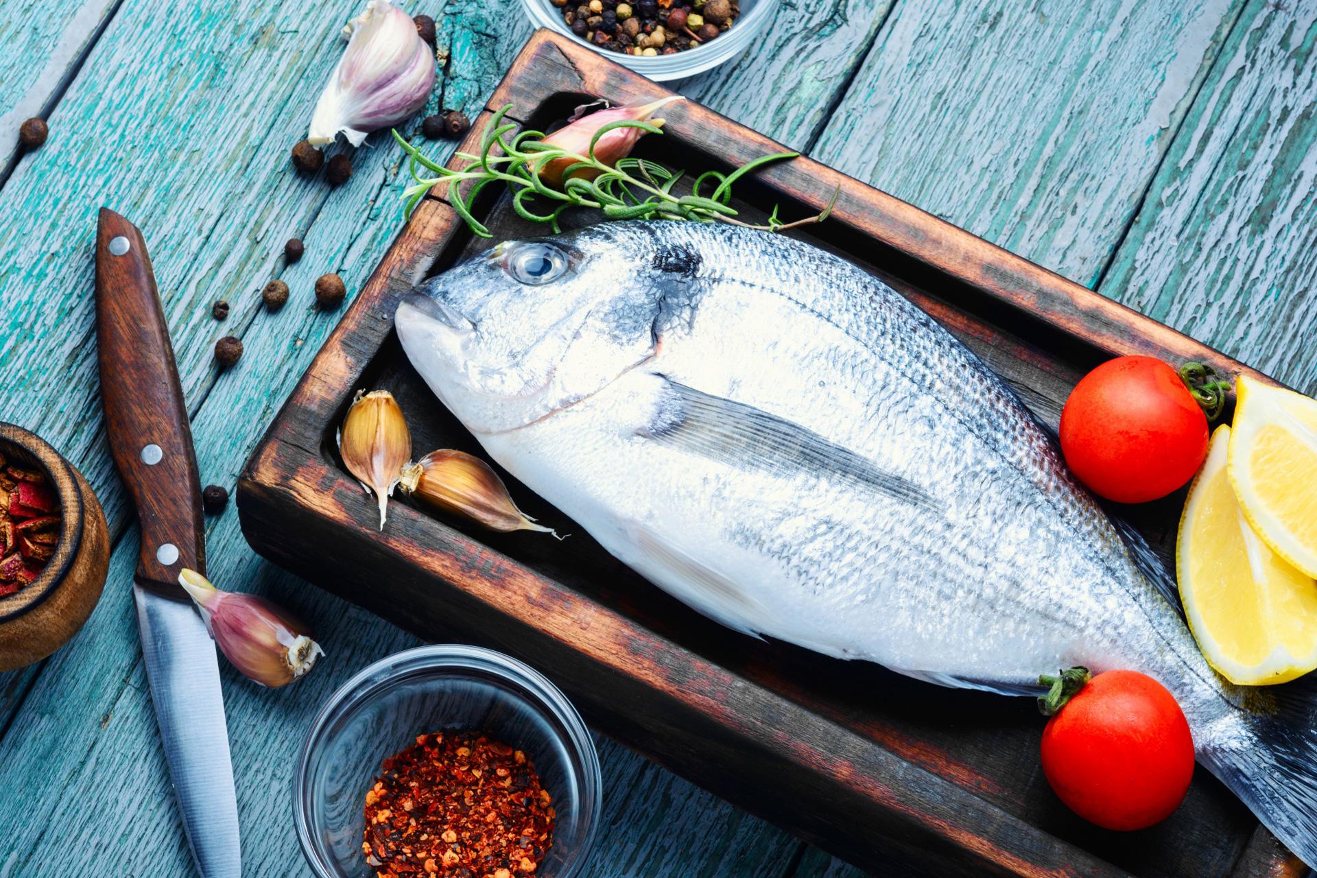 Ostry nóż do ryb